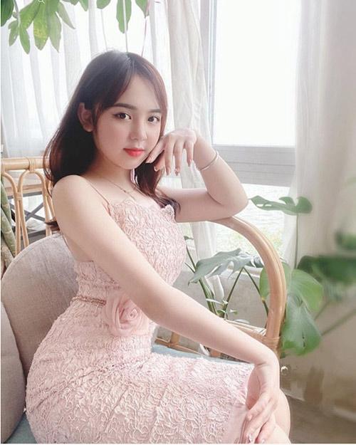 hot girl tiểu học Trần Huyền Châu